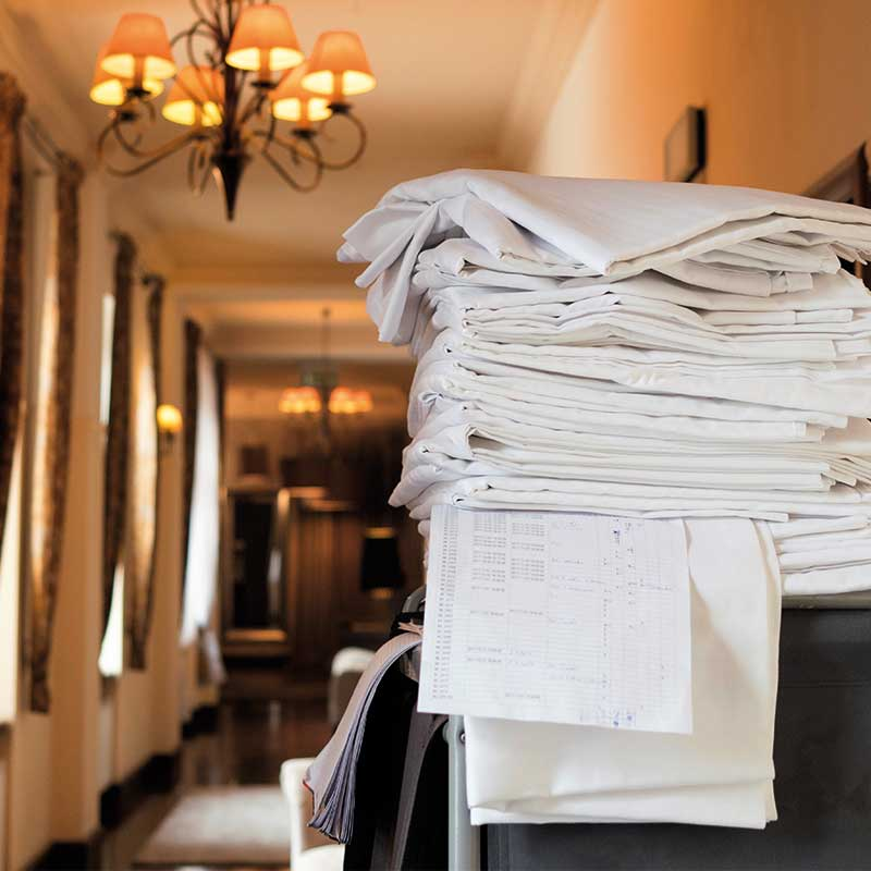 Commercial laundry machines suitable for hotels and restaurants.