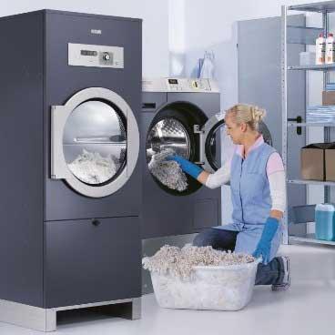 commercial-washing-machine-loading